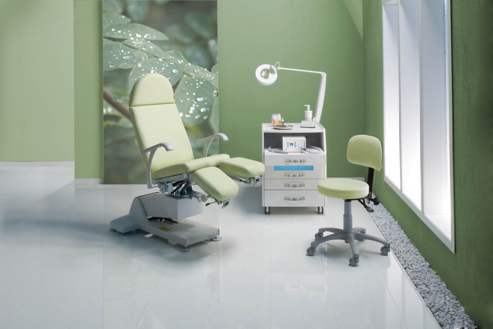 Gharieni podiatry and chiropody chair PLS